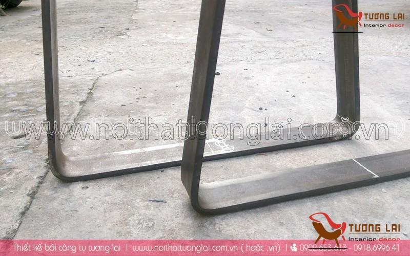 Gia công sắt-inox -chân ghế sắt la